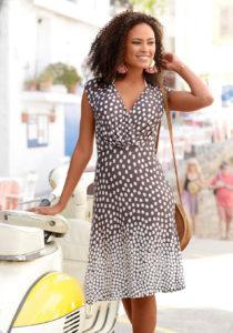 Strandkleid im Tupfen Design